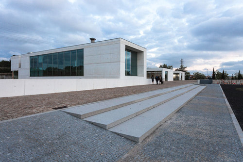 Luísa Valente — Ampliação e Conservação do Cemitério de Sendim No 2 - Tanatório