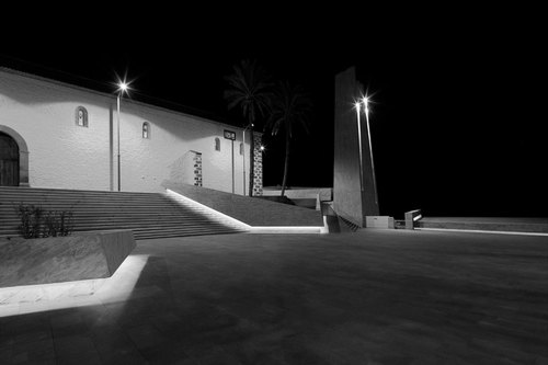 05_by-night_large