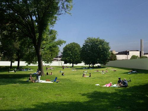 Berger & Berger — Espaces et pavillons sur la place Cosandey
