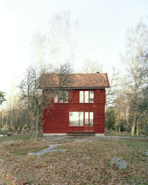 1-general-architecture-sweden-summer-house-photo-by-mikael-olsson-web_normal