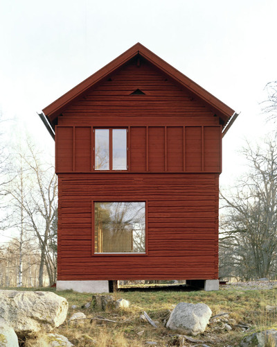 2-general-architecture-sweden-summer-house-photo-by-mikael-olsson-web_large