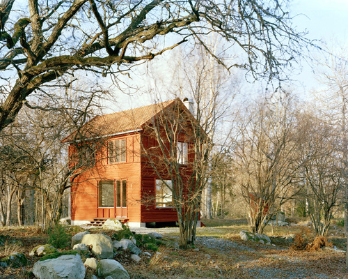 8-general-architecture-sweden-summer-house-photo-by-mikael-olsson-web_large