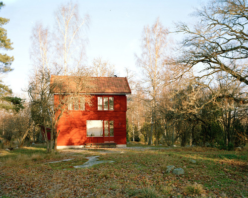 9-general-architecture-sweden-summer-house-photo-by-mikael-olsson-web_large