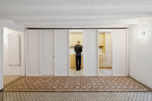 vora arquitectura — Restoration of a Flat at Gracia