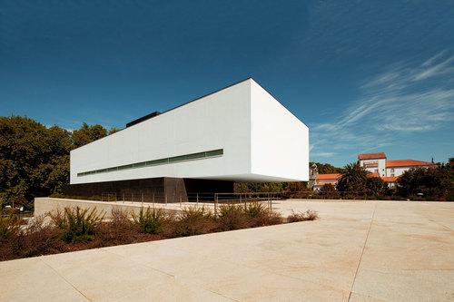 Jean Pierre Porcher, Margarida Oliveira, Albino Freitas, TOPOS Atelier de Arquitectura — Inlima Hotel & Spa