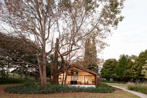 Doisamaisv arquitetos — Guest house