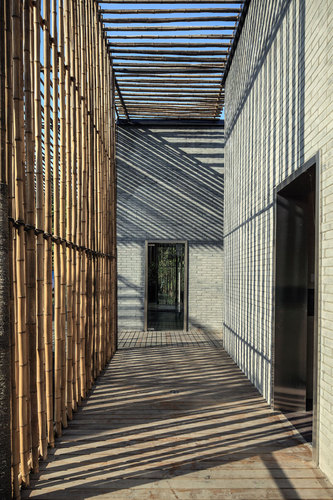 Teahouse_13-corridor_large