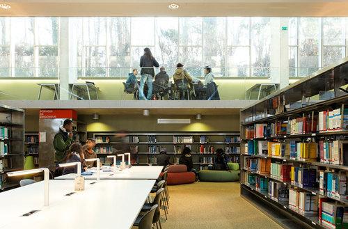 badia berger architectes — Bibliothèque Universitaire des Sciences et Techniques de Versailles
