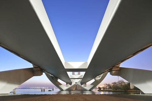 Zha_sheikh_zayed_bridge_©hufton_crow_30_large