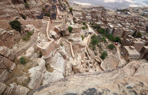 Abdullah Al-Hadrami — Thula Fort Restoration