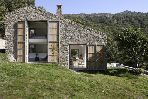 ÁBATON Architects — Off Grid Home in Extremadura