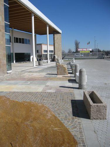 Valerio cozzi showroom sistemi di pavimentazione - Pavimentazione esterna ...