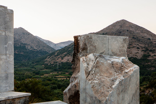 Skoutelis & Zanon — Damasta War Memorial