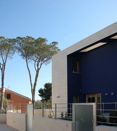 "Vincenzo Latina, Silvia Sgariglia — Residenze  ""Le case Blu"", Tremilia, Siracusa"