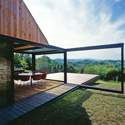 PROARH — Contemporary Interpretation of a Traditional Zagorje Cottage