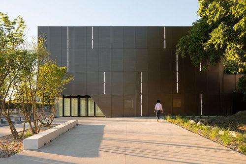 Ateliers O-S architectes: V. Baur, G. Colboc, G. Le Nouëne — Gymnase Scolaire ZAC Bords de Seine