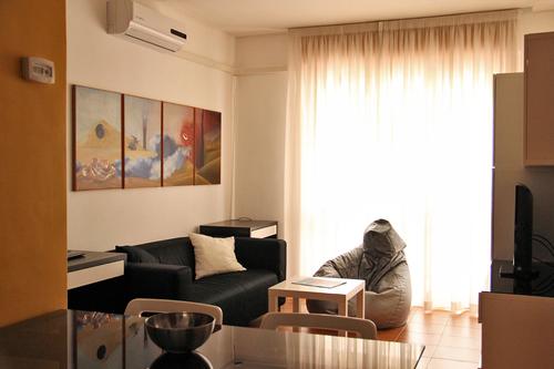 Enrica leonardis arredo di un mini appartamento - Arredo completo ikea ...