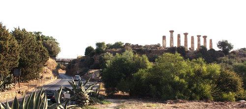 Joan Puigcorbé, COTTONE+INDELICATO ARCHITECTS — La passerella nella Valle dei Templi