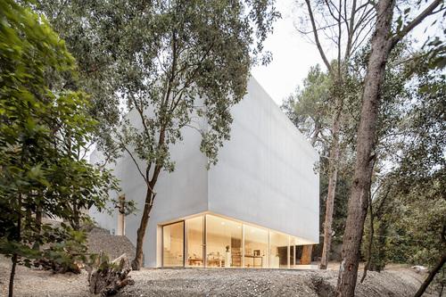 Garcés · De Seta · Bonet Arquitectes — Estudio para el pintor Arranz-Bravo