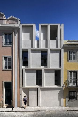 ARX Portugal Arquitectos — House in Lisbon