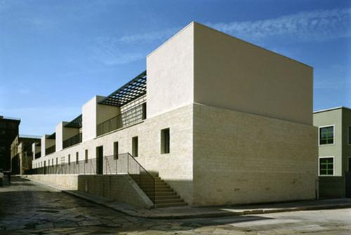 Angelo Torricelli — Edificio di edilizia sovvenzionata in via Foggia a Cerignola