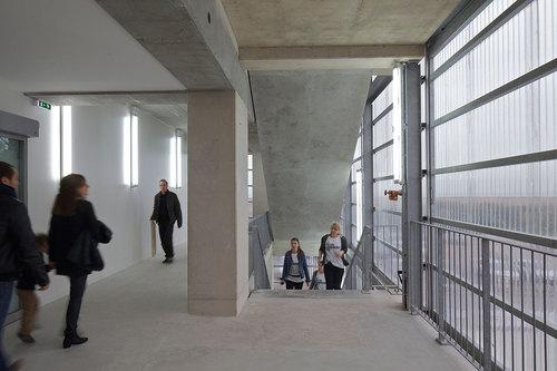 Lacaton vassal architectes frac fond r gional d 39 art for Architecte pas de calais