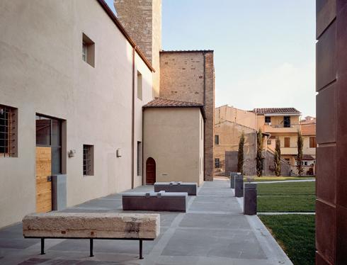 Antonello Boschi — Lapidario / An epigraphic museum