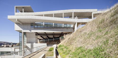 Fornari Rojas Arquitectos — Centro Cívico y Parque Urbano en Sabadell