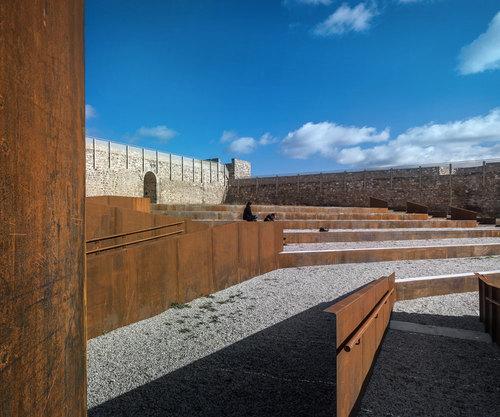 villegasbueno arquitectura — EERJ. Adecuación del Patio de armas del Castillo de El Real de la Jara