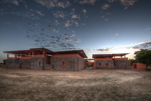 F8 architecture — Orphelinat Falatow Jigiyaso
