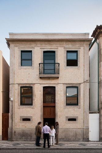 Álvaro Siza — Casa em Roberto Ivens