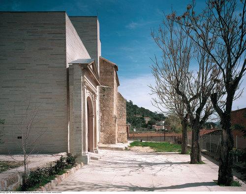 Jose Ignacio Linazasoro — Iglesia de San Lorenzo en Valdemaqueda
