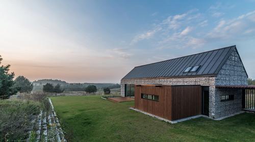 kropka studio, kuba kowalczyk — House in the landscape