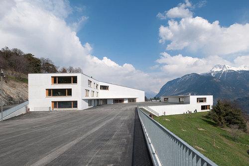 Frei & Rezakhanlou architectes — School complex in Chermignon