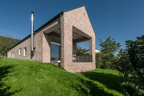 Földes Architects — The Long Brick House