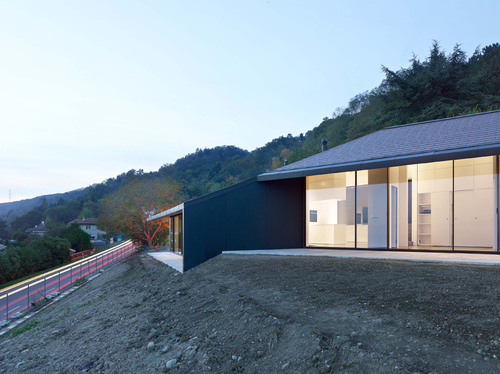 PIERRE-ALAIN DUPRAZ ARCHITECTE — Maison à Mont-sur-Rolle (VD)