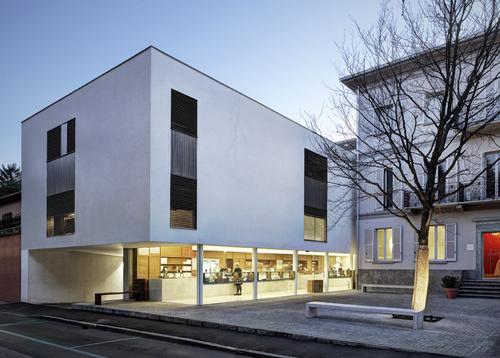 Marco Ortalli — Edificio ad Erba