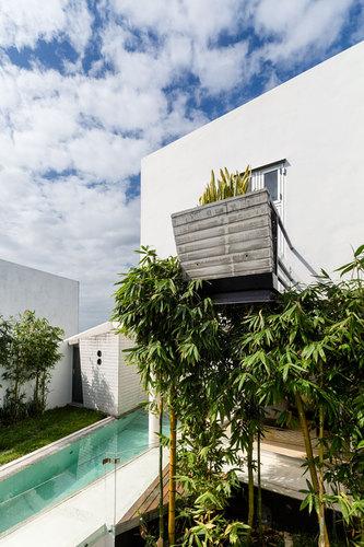 Carlos Castillo — Ten House