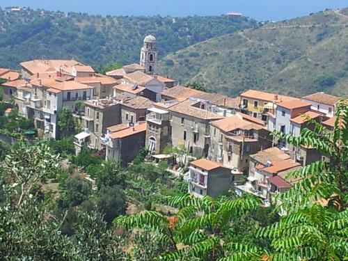 Castrense-francesco Di Giovanni, Pina Riccardo — la torretta