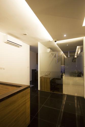 Muhammad Egha, Sunjaya Askaria, Hezby Ryandi — Gradia Boutique Office