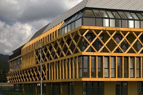 """Ofis Arhitekti — """"hayrack"""" Apartments"""