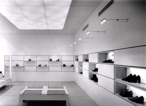 Stefano bernardi architetto arredamento di un negozio di for Corso arredamento
