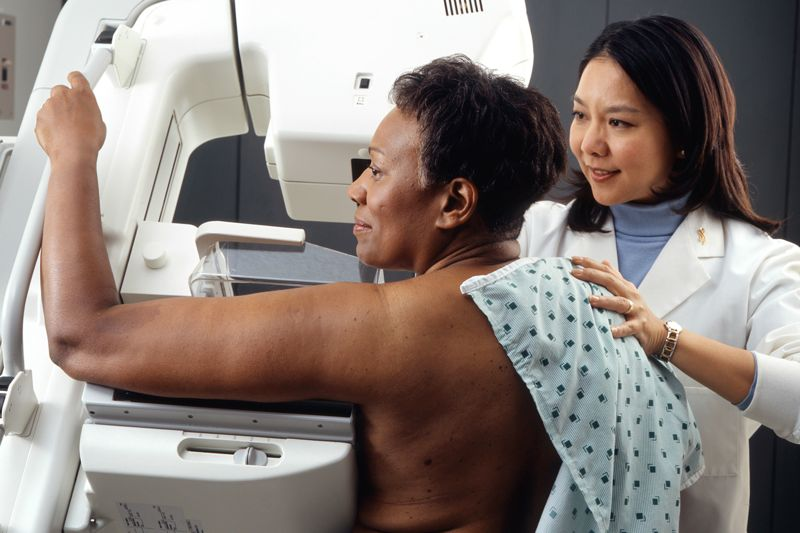 Woman gets mammogram