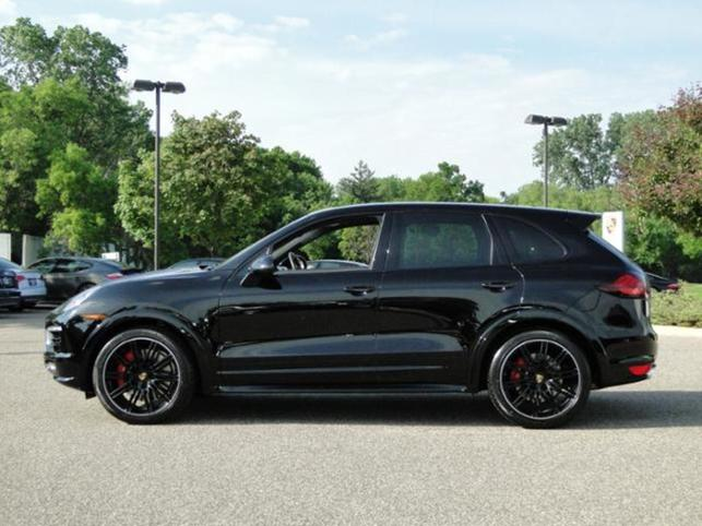 2014-cayenne-awd-4dr-turbo-s