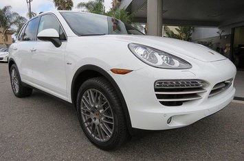 2014-cayenne-diesel-platinum-edition