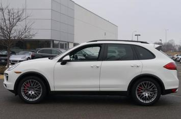 2012-cayenne-awd-4dr-turbo