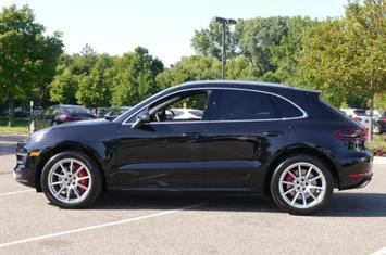 2015-macan-awd-4dr-turbo
