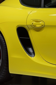 New Cayman debuts at LA Auto Show 9