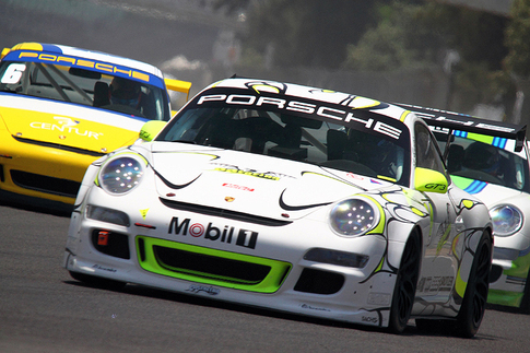 GT3 Cup cars provide close racing. Photo by Frissen Gutierrez