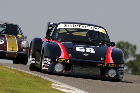 911T outmatched by 935. Photo by Bob Chapman/AutosportImage.com